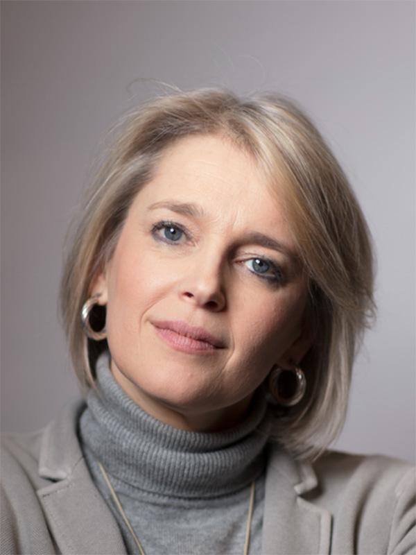 Portrait Leili Anvar