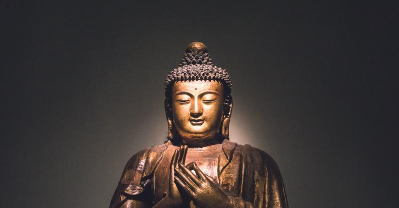 Image d'une statue représentant Buddha